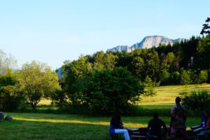 Nußdorf am Haunsberg, Glück aus Grünem, Ulrike Plaichinger, Räuchern, Haunsberg, Kräuterwanderungen, Gartengestaltung